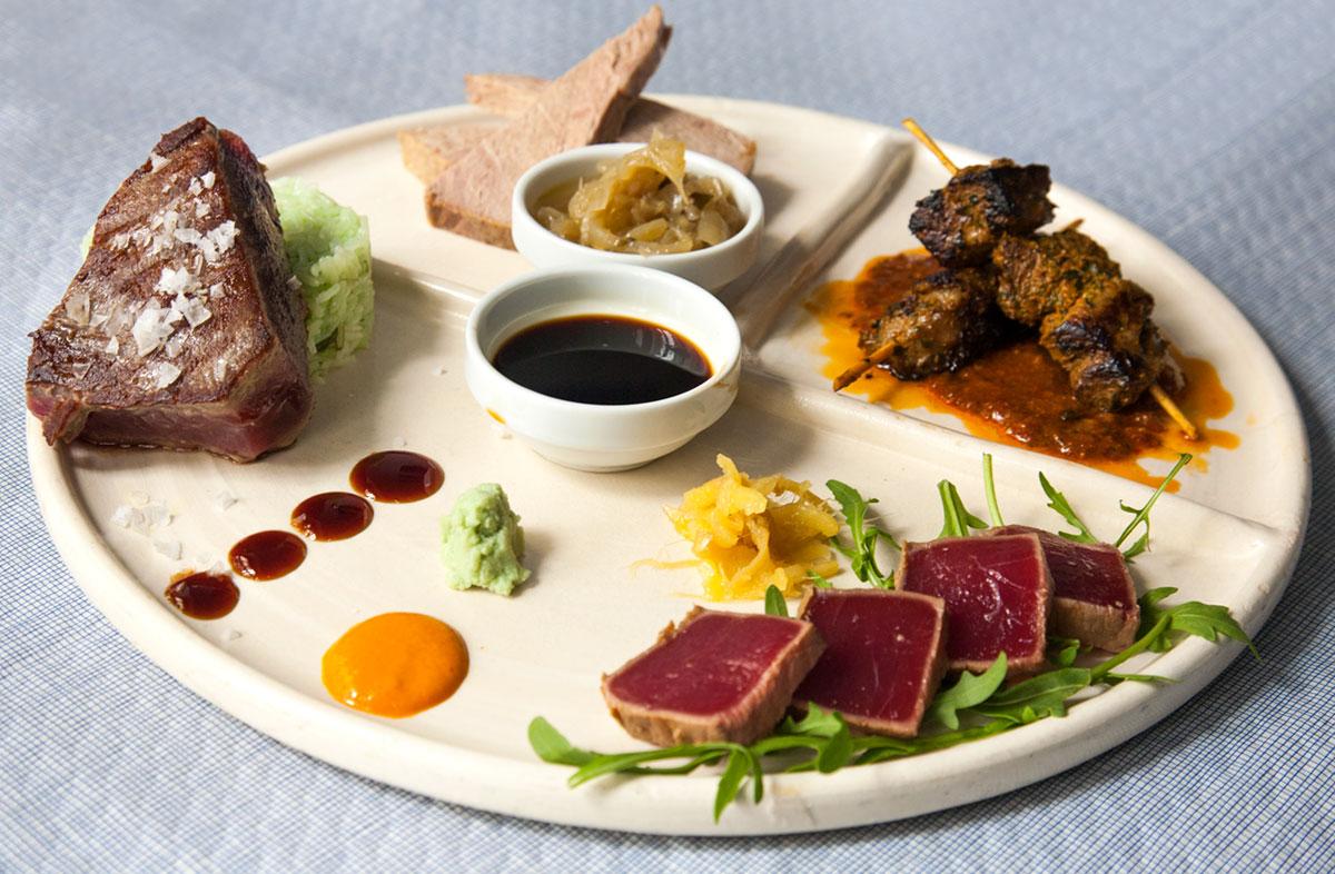 Comer en Tarifa - Degustación de atún de La Pescaderia
